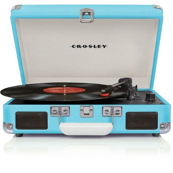 2016_04_Crosley-CR8005A-TU-Cruiser-Portable-Turntable.jpg