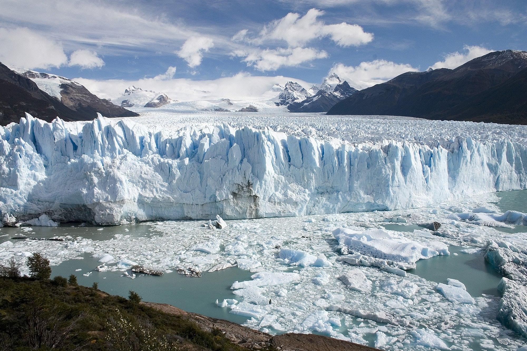 2016_04_Perito_Moreno_Glacier_Patagonia_Argentina_Luca_Galuzzi_2005.jpg