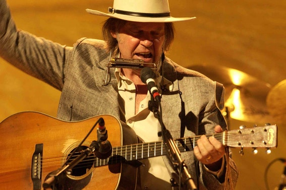 2016_06_Neil-Young-Heart-Of-Gold.jpg