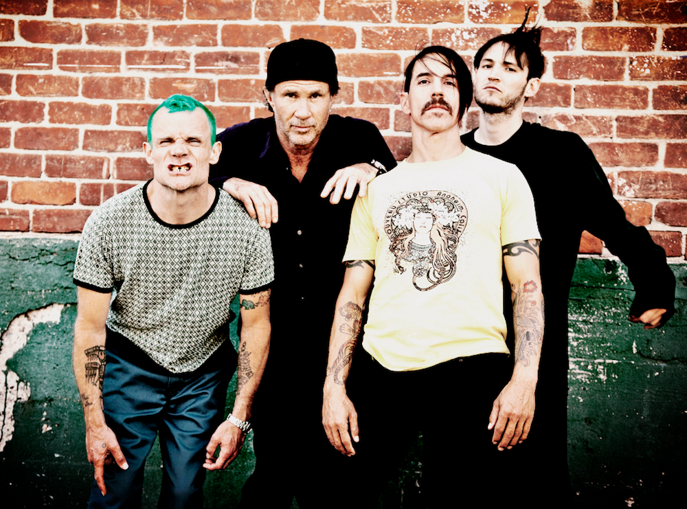 2016_06_red-hot-chili-peppers-dark-necessities-single-new-mp3.png