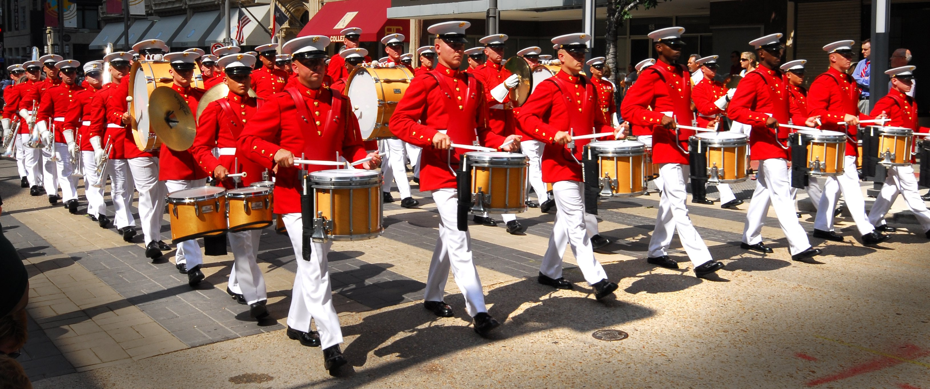 2016_07_Marching_band_drummers_in_parade_at_Texas_State_Fair_2007.jpg