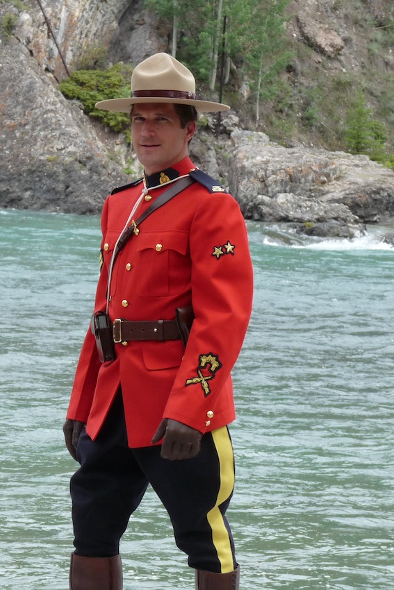 2016_08_Mountie_in_Banff_Alberta.jpg