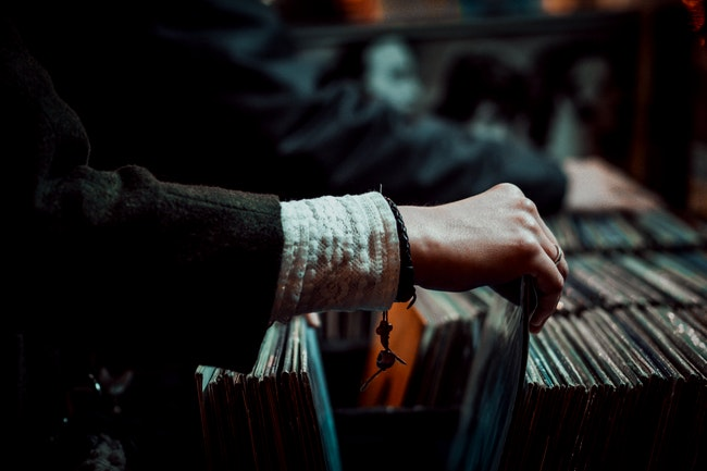 The 10 Best Breakup Albums to Own on Vinyl — Vinyl Me, Please